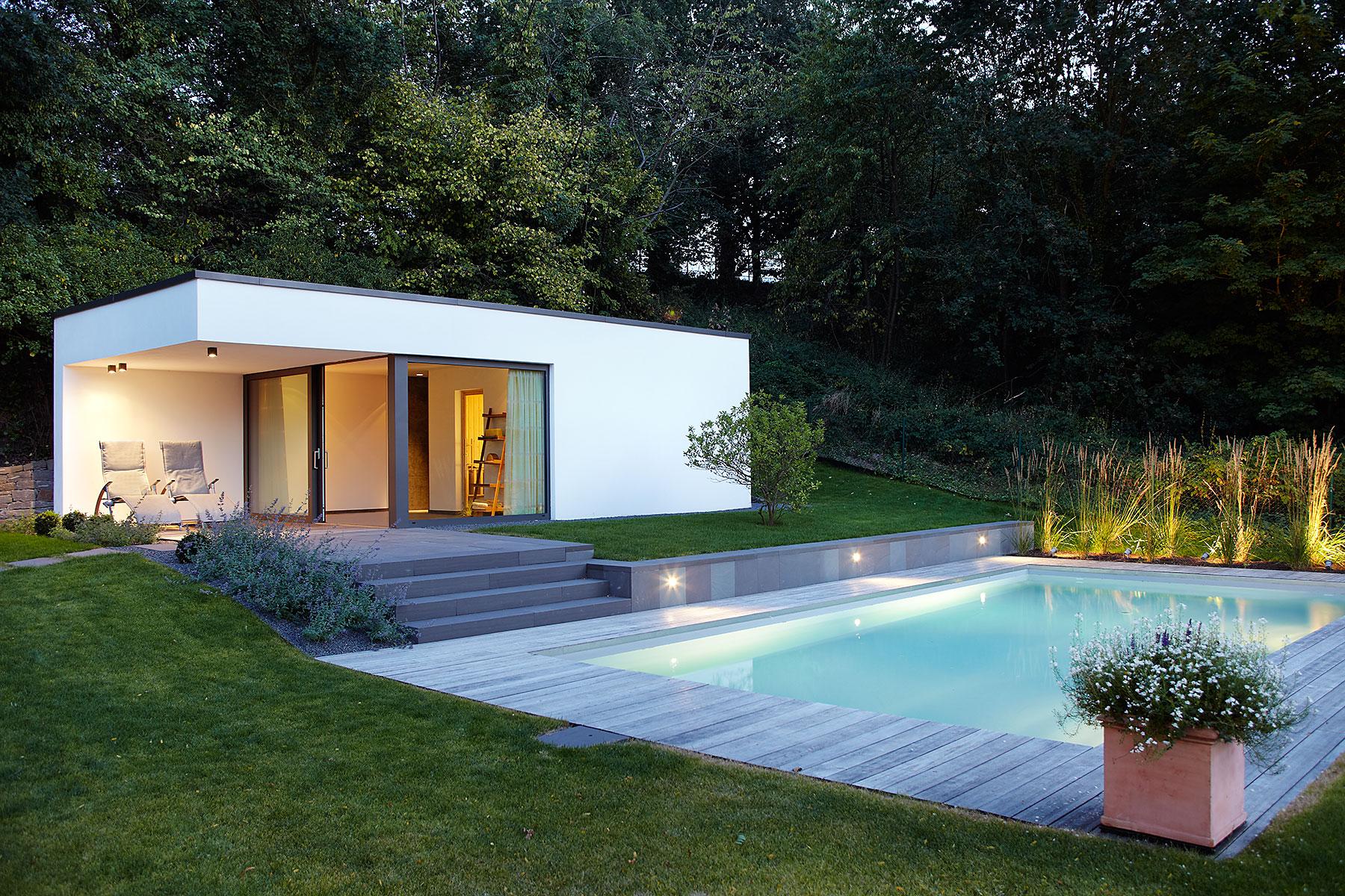 einfamilienhaus mit pool nicole zimmermann fotodesign. Black Bedroom Furniture Sets. Home Design Ideas